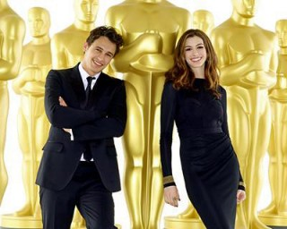 James Franco & Anne Hathaway, with big Oscar