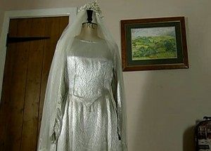 Mary's wedding dress frightens Norris