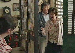 Hayley comes in the cafe, to Roy and Anna's relief