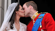 Duke and Duchess of Cambridge balcony kiss