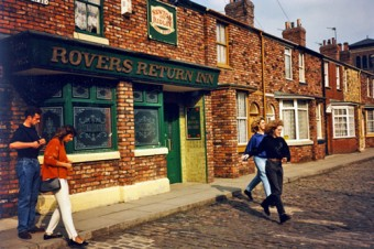 Street set tour, people in front of Rovers Return