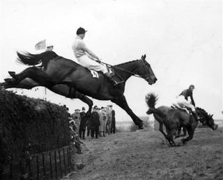 Dick Francis on Devon Loch 1956 Grand National