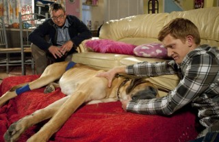 Schmeichel's death scene with Ches and vet