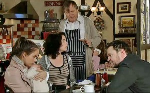 Owen discusses Faye with daughters and Roy