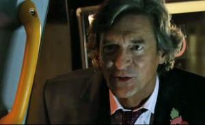Lewis talks to Gloria in taxi backseat