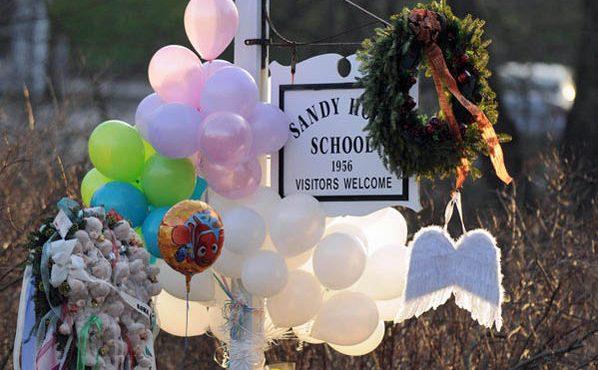 balloons at Sandy Hook school sign