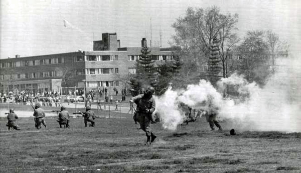 cleveland.com_plain-dealer-kent_state_shootings_may_1970_13-photo-AP
