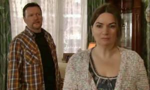 Anna-turns-back-on-Owen