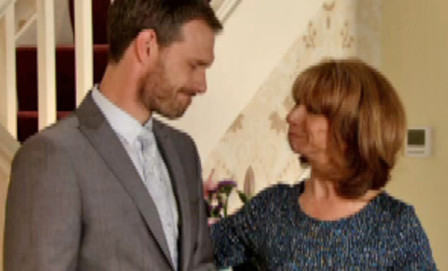 smothering mothers Gail vows Nick has her help