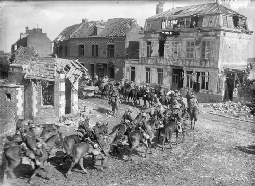 World War I photo British cavalry en route to Vimy Ridge