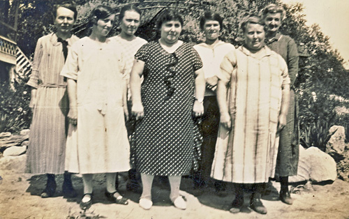 Burwell brothers wives Port Burwell picnic 1926