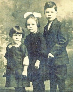 ada, emily and dwight burwell studio photo 1918