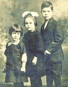 ada, emily and dwight burwell studio photo 1918