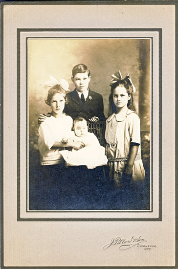 4 children of Charles and Minnie Burwell 1924