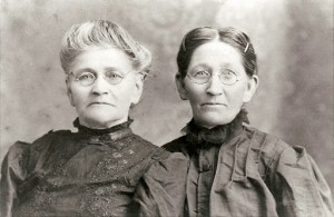 Marilla-and-Jane-Dean-ca-1910