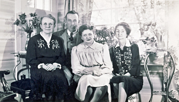 wilford burwell madge hodgson and moms 1940s