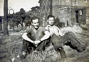 photo wwii Bill Hardy and George Anger
