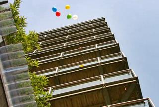 balloons-off-balcony