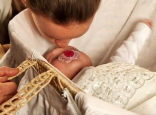 faye-kisses-baby