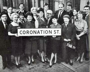 Harry_Elton-6th-right 1963-coronationstreet-wikia