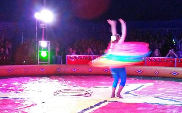 hula-hoops-photo-d-stewart