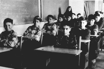 fort_albany_residential_school_students-c1945-edmund-metatawabin-coll-u-of-algoma