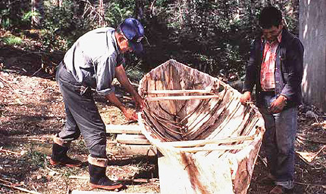 mikmaq-canoe-the-rooms-heritage.nf_.ca