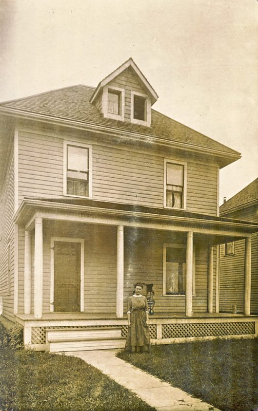 Minnie Lymburner Burwell 1911 at 20 Pine St Tillsonburg