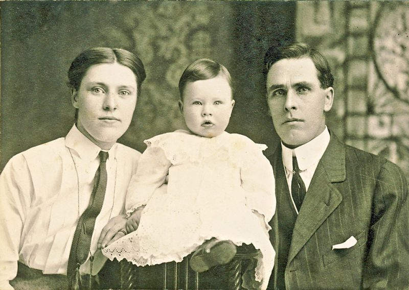 minnie lymburner and charley burwell with dwight 1913