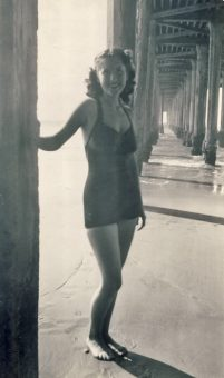 marji-stewart-redondo-beach-pier-ca-1949