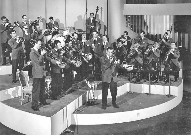 Glenn_Miller_Band-1940-1941-rayanthonyband.com-wikicommons