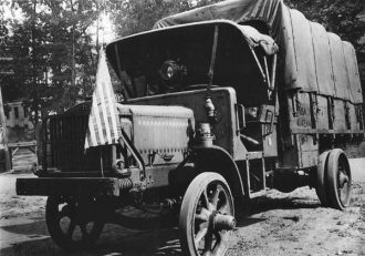 Second-Series-Liberty-Truck-us-signal-corps-wikipedia