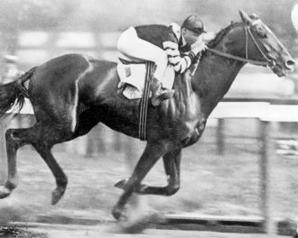 Man o War winning_Belmont-12-Jun-1920-wikicommons