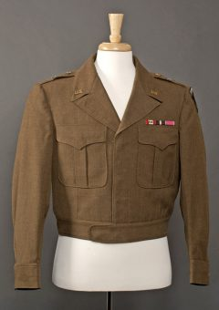 Jacket_Owned_and_Worn_by_General_Dwight_D._Eisenhower_-_NARA_-_7717661_page_1-wikicommons