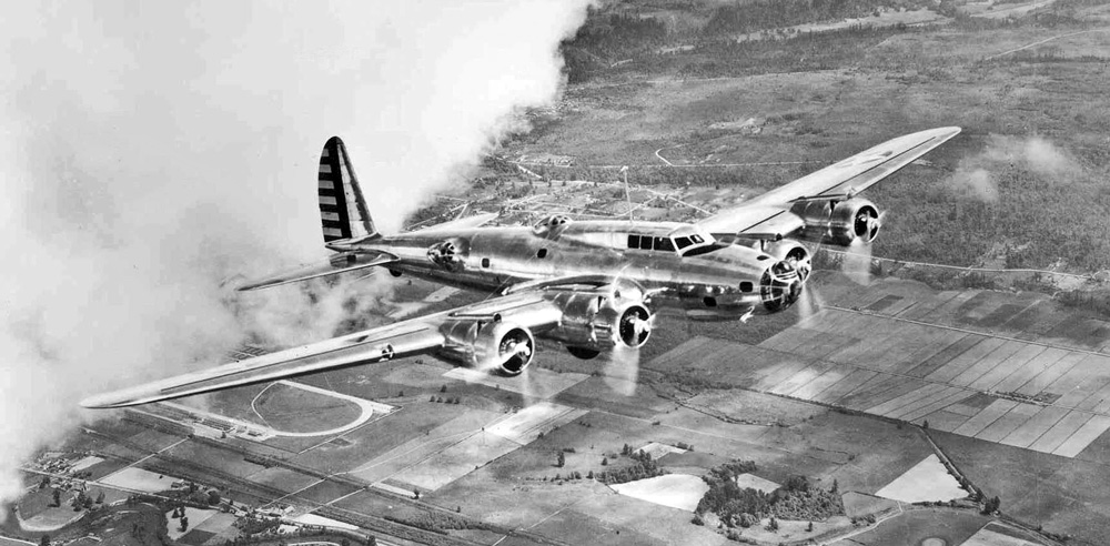 flying-fortress-Boeing_Y1B-17_in_flight-USAF-wikipedia